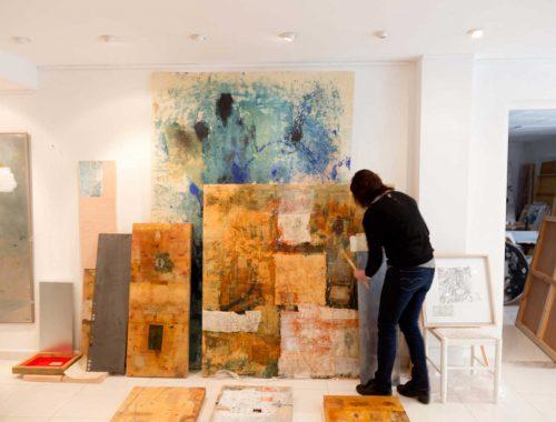 Lourdes Fisa al seu estudi